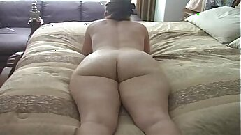Big titty mom with big ass is cleaning up after her younghow