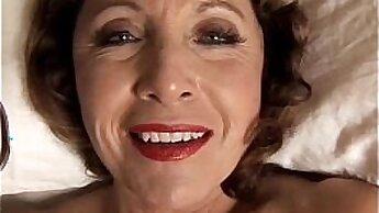 Chesty Cougar Evelina Pierce Takes A Bath